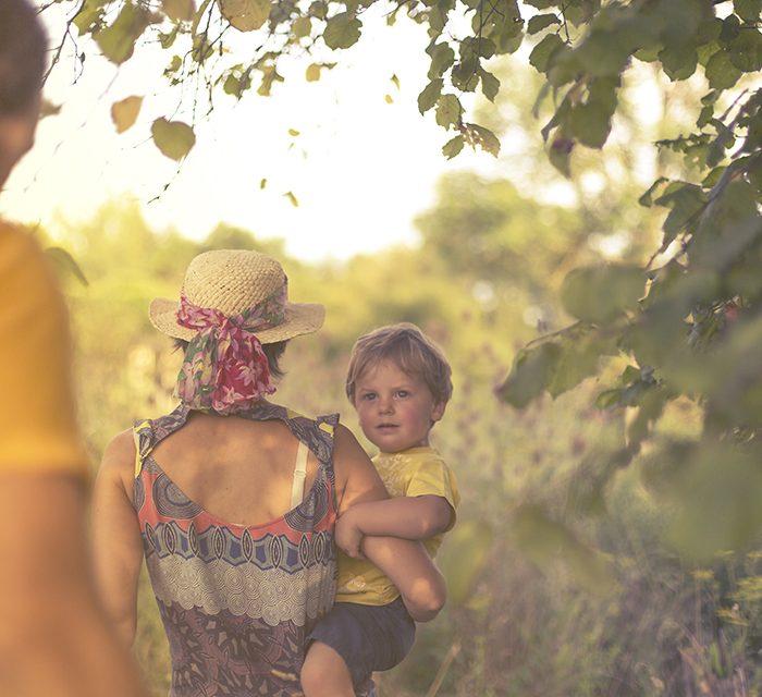 Séance famille à la campagne